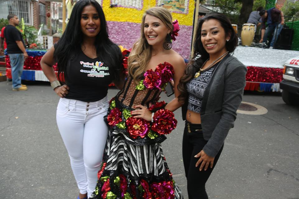 Colombia Festival of Flowers / Desfile Colombiano