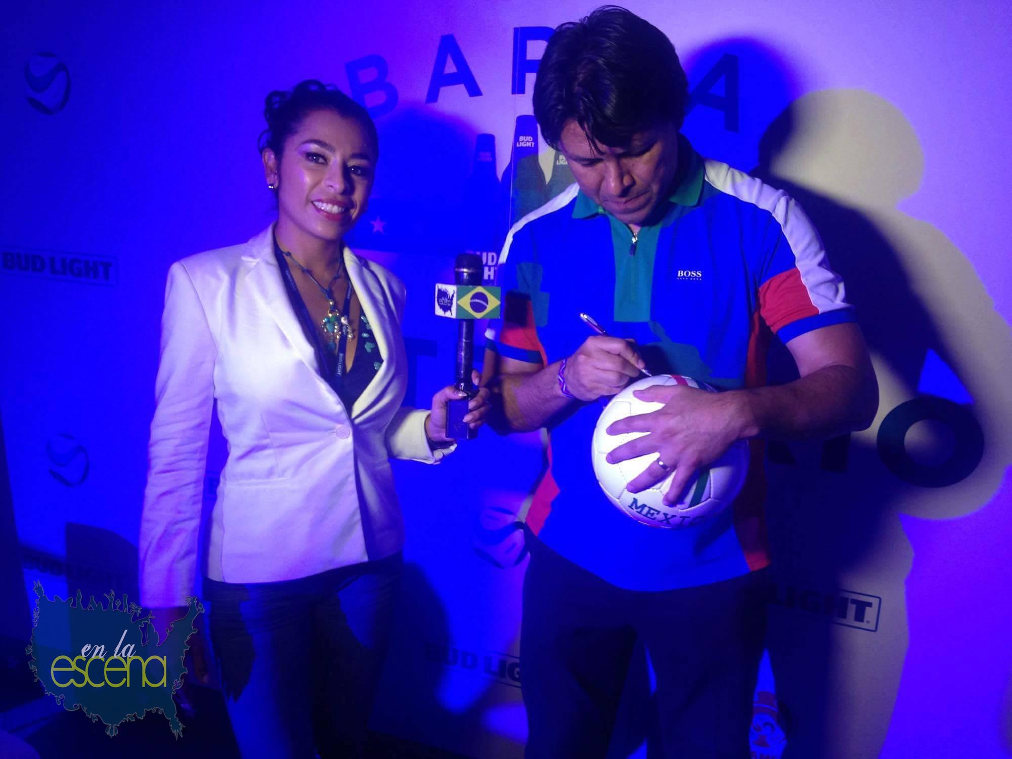 Geko jones of Que Bajo with Kelly Camacho of En La Escena Colombia